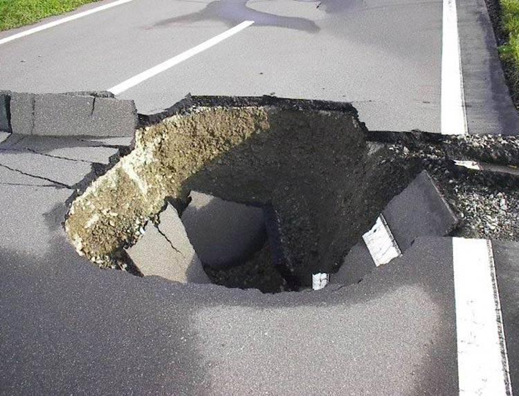 世界を、日本を変えるNo.1とは? ~「格付けジャパン」道路陥没対策・減災対策のトップランナーは誰だ!のメインビジュアル