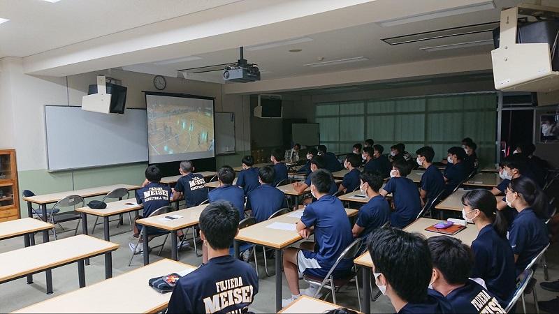 富樫選手の登場に高校生たちはびっくり