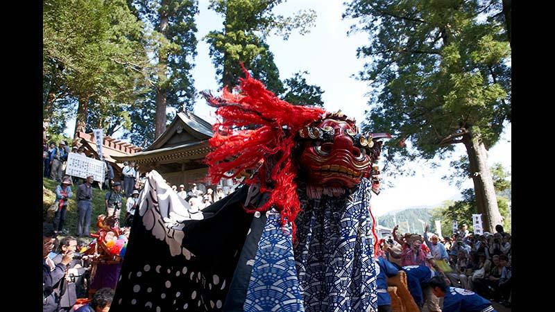 三百年、山里に獅子が舞う 曽爾の秋祭り【奈良県】
