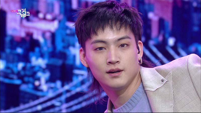 ミュージックバンク#1055(韓国放送2020年12月4日)