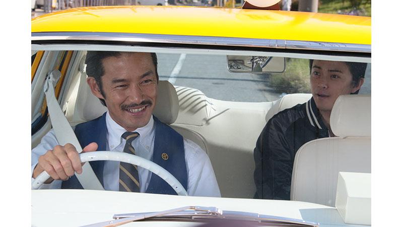 主演・竹野内豊×脚本・バカリズム。 過去に戻れるタクシーが、あなたを人生の岐路にお連れします。 『素敵な選TAXI』 7月1日(木)よる7時~放送スタート