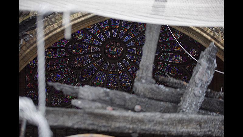 ノートルダム大聖堂 悲劇からの再建
