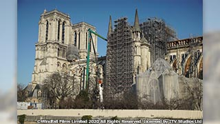 英国 BBC4 制作のドキュメンタリー。燃えた歴史的建造物の再建に、人々が挑む。 「ノートルダム大聖堂 悲劇からの再建」 10月19日(火)よる9時~BS12 トゥエルビで放送のサムネイル