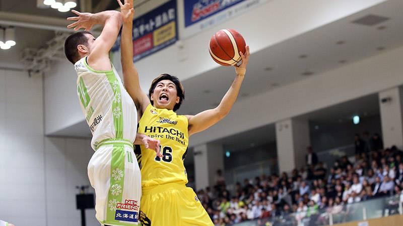 福岡第一高校、専修大学時代から体の強さとリバウンド力は折り紙付き。この日も5リバウンドを記録!