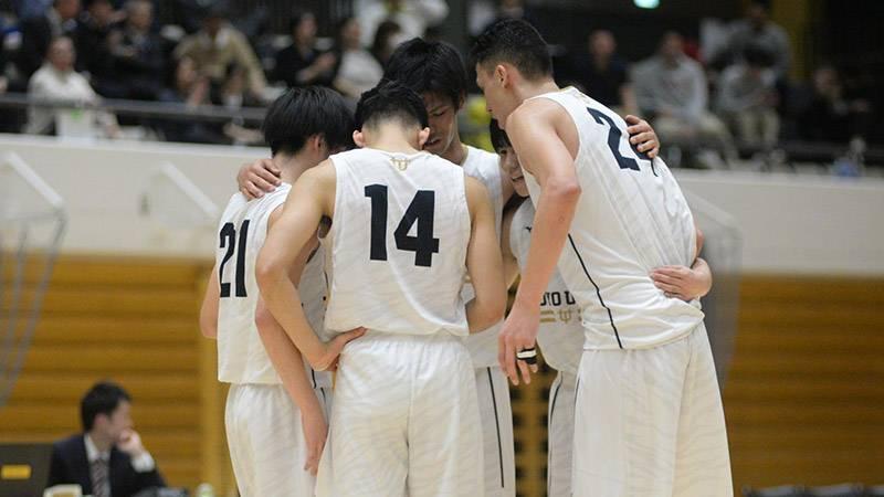東洋大は加藤智也選手(写真中央)、ラシード・ファラーズ選手(写真右=ともに4年)の包容力も印象的だった