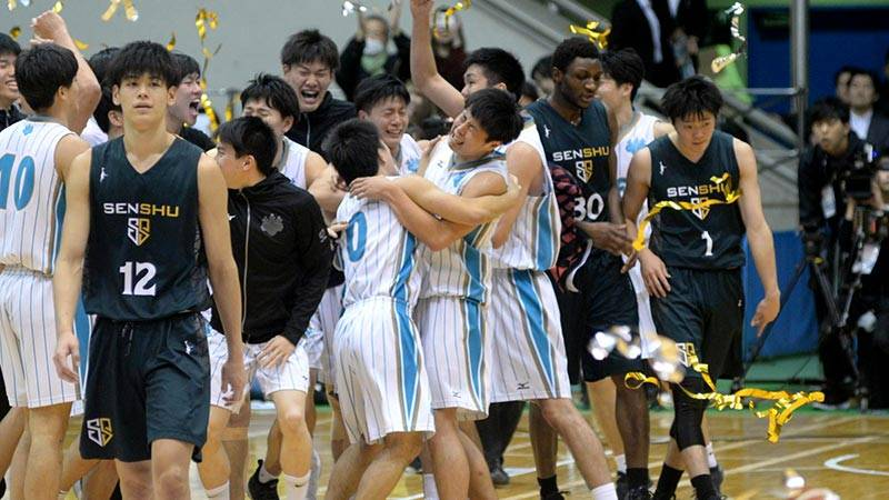 一昨年は準優勝、昨年は4位。ようやく手に入れた日本一に牧は泣いた