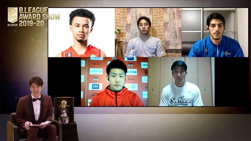 今年より導入された「新人賞ベストファイブ」。高校生Bリーガーとして話題を呼んだ河村勇輝選手が選出された(©B.LEAGUE)