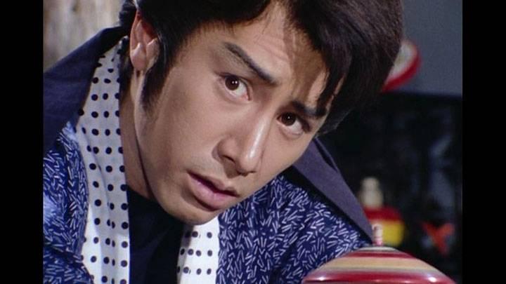 若さま侍捕物帳の第14話「参上!!黒い罠」