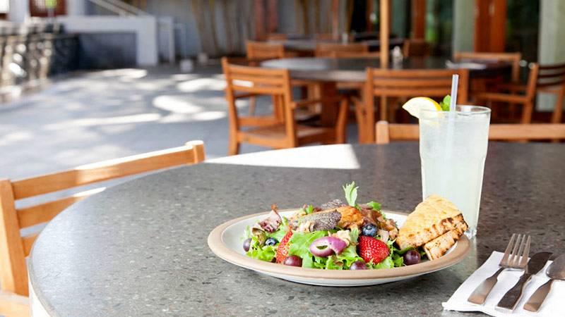 庭園や陶芸作品に囲まれた癒しカフェ ホノルル美術館アートカフェ/Honolulu Museum of Art Café