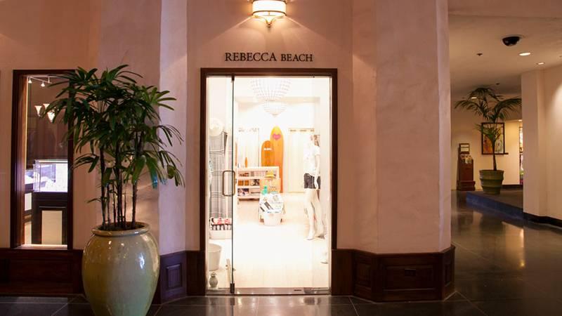 上品な大人のリゾートアイテムがそろう レベッカ・ビーチ/Rebecca Beach
