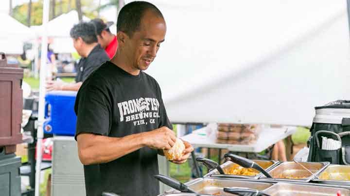 世界の味を楽しめる屋台がズラリ ホノルル・ファーマーズマーケット The Honolulu Farmers Market