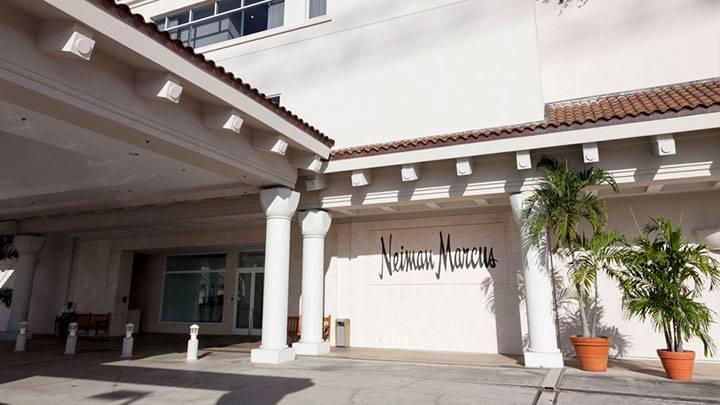 アラモアナセンターの3大高級デパートで限定品を狙おう